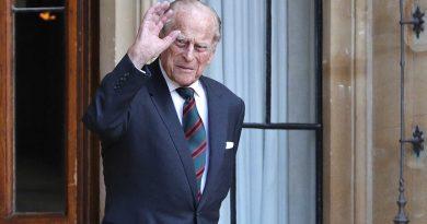 الملكة إليزابيث تتدخل لحسم خلاف حول جنازة زوجها الأمير فيليب